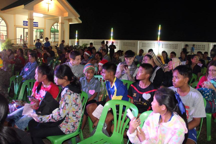 Thailand_Christmaspageantaudience
